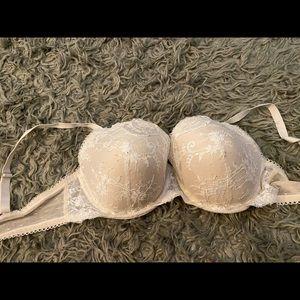 White lace VS bra